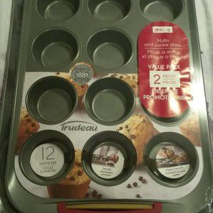 Trudeau Muffin and Cookie Pan Set- NWT